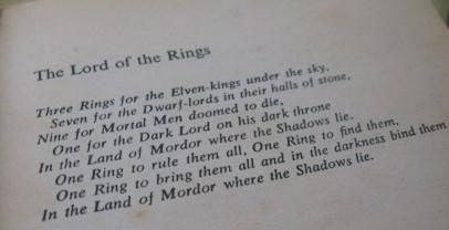 Épigraphe des 3 volumes du Seigneur des Annneaux